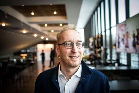 Tampereen Työväen Teatterin johtajana aloittava Otso Kautto näkee TTT:n tulevaisuuden mallitalona yhteistyössä pienten ryhmien kanssa. –Täytyy luoda rakenteet, joita ei vielä ole. Pitää lähteä tekemään yhdessä ja oppia, mikä toimii, mikä ei.