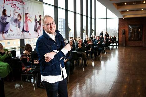 Ohjaaja Otso Kautto aikoo muuttaa Helsingistä Tampereelle uuden johtajapestin myötä. –Tottakai, Kautto sanoo.