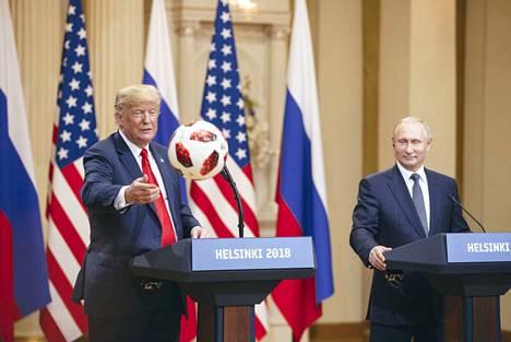 Vladimir Putin ilmaisi uudenvuodentervehdyksessään halunsa lisätä vuoropuhelua Donald Trumpin kanssa.