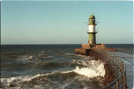Itämeren korkeimpien yksittäisten aaltojen on arvioitu olevan noin 14 metrin luokkaa.