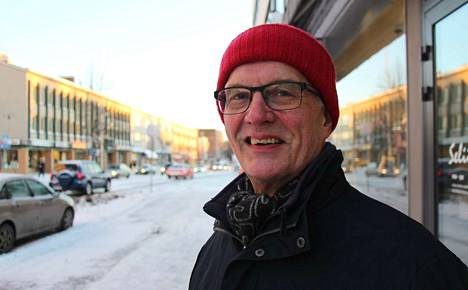 """Heikki Aho suhtautuu Sastamalan uimahallisuunnitelmiin skeptisesti. """"Valitettavasti elämä on opettanut ajattelemaan sillä tavalla"""", Aho toteaa."""