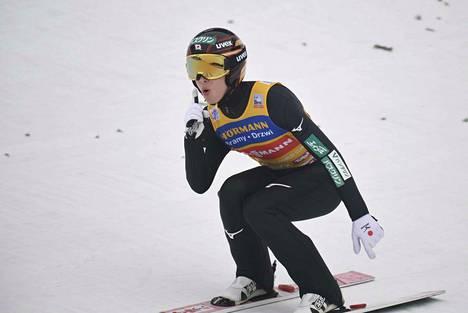 Ryoyu Kobayashi oli ylivoimainen Innsbruckin osakilpailussa.