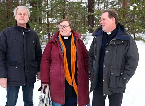 Multian kirkkoherra Seppo Rahkonen, Petäjäveden kirkkoherra Laura Laitinen ja Keuruun kirkkoherra Ossi Poikonen luottavat hyvään yhteistyöhön.
