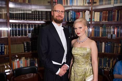 Touko Aalto palasi hetkeksi julkisuuteen joulukuussa osallistumalla puolisonsa Iris Flinkkilän kanssa Linnan juhliin.