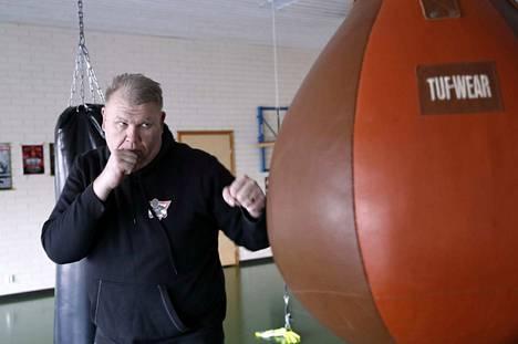 Tammikuun alussa 48 vuotta täyttäneen Marko Pennasen teesit valmentajana toimivat sekä Suomessa että Kaukoidässä.