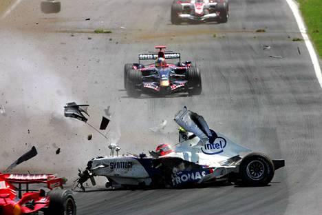Robert Kubica koki hurjan ulosajon Kanadan osakilpailussa 2007. Hän törmäsi kovalla vauhdilla keula edellä betoniseinään. Vuosi myöhemmin Kubica otti samalla radalla uransa avausvoiton formula ykkösissä.