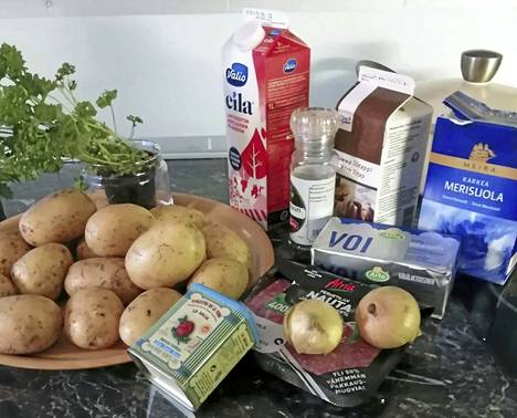 Vuokon näppylämuusiin tarvitaan jauhoisia perunoita, suolaa, täysmaitoa, siirappia, voita, munia, sipuli, jauhelihaa sekä mausteita maun mukaan.