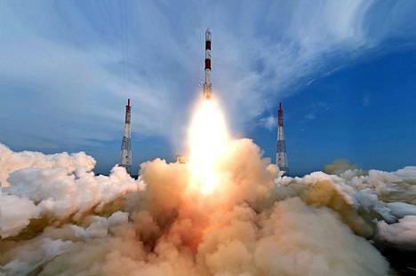 Intian avaruusjärjestö Isro lähetti avaruuteen PSLV-C35-raketin Andhra Pradeshissa sijaitsevasta Satish Dhawanin avaruuskeskuksesta syyskuussa 2016.