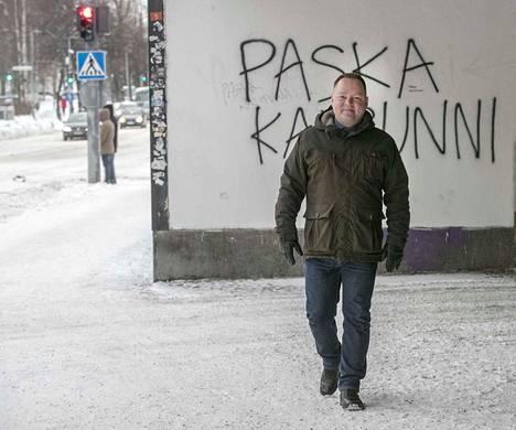 Pamin järjestöjohtaja Risto Kalliorinne matkustaa uuden tehtävänsä vuoksi Oulun ja Helsingin välillä.