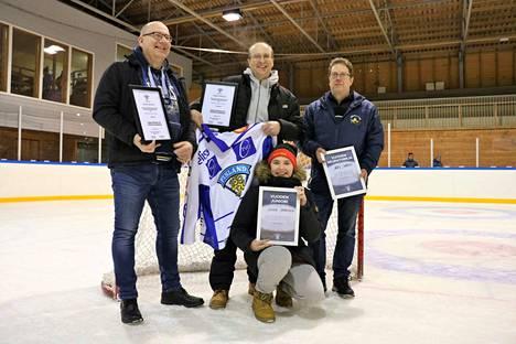 Länkipohjan lauantaisessa tapahtumassa tunnustusta jaettiin Markku Peltolalle, Marko Saariselle, Ari Sarenille ja Sinna Saariselle.