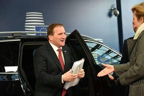 Stefan Löfvenin jatko pääministerinä ratkeaa keskiviikon parlamenttiäänestyksessä.