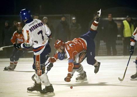 Narukerä ja Botnia kohtasivat Porissa 29. joulukuuta. Silloin Kerä oli niskan päällä ja voitti 5–4. Tampereella joukkueet kohtaavat Pyynikin luonnonjäällä.