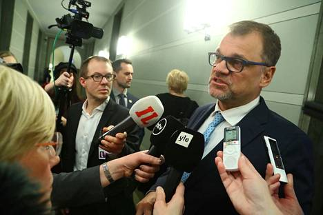 Pääministeri Juha Sipilä (kesk.) muistutti, että aika on rajoitettu tällä hallituskaudella uusien toimien tekemiseksi.