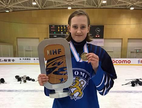 Sofianna Sundelin sai Japanissa kaulaansa MM-pronssia.
