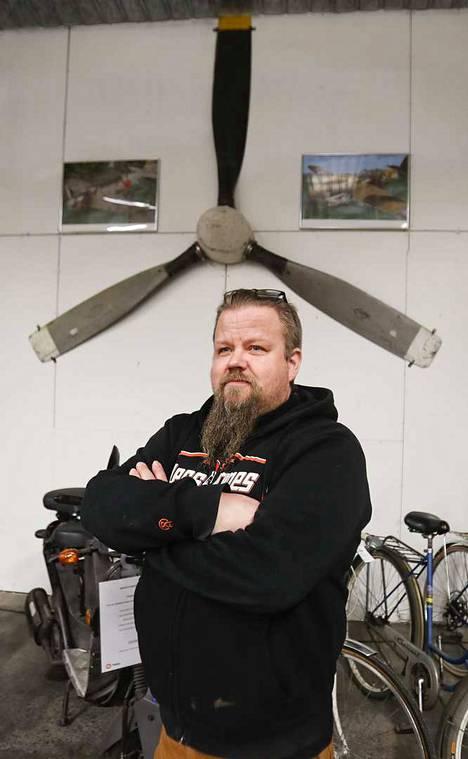 Äijäkirppiksen perustaja Tommi Lindgren toteutti 10 vuotta hautomansa idean.