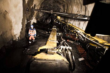 Agnico Eaglen Kittilän kultakaivos on yli 1000 henkilön työpaikka. Puolet heistä on kaivosyhtiön palkkalistoilla, puolet on alihankkijoiden töissä.