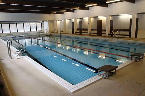Keikyän uimahallin jatko on herättänyt paljon kysymyksiä. Yllätyksenä korjaustarpeet eivät tulleet.