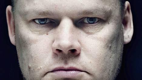 """Kolmoismurhaaja Lauri """"Late"""" Johansson kertoi vuonna 2011 olevansa muuttunut mies. Johansson oli perustamassa Natural Born Killers -rikollisjärjestöä, mutta tuli vankilassa uskoon."""