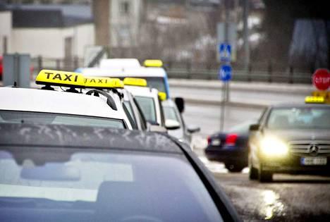 Taksiliikenteeseen on tullut enemmän kilpailua sen jälkeen, kun laki muuttui viime heinäkuussa.