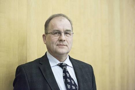 Tampereen seurakuntayhtymän kirkkovaltuuston puheenjohtajana jatkaa varatuomari Leevi Häikiö.