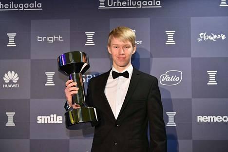 Kalle Rovanperän saama Uuno-palkinto on ensimmäinen pysti hänen uudessa palkintokaapissaan. Nuorukaisen rallitaidot tuntien Uuno saanee seuraa varsin nopeasti.