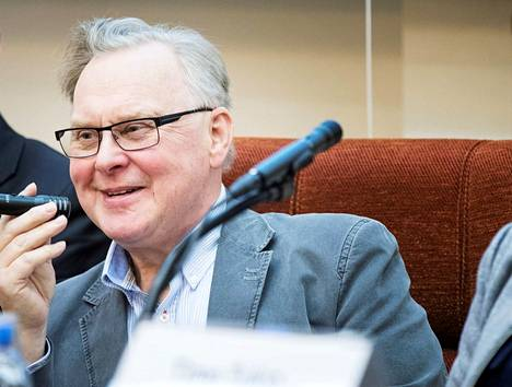 Sasky-kuntayhtymän hallituksen puheenjohtaja Jyrki Lahtinen (sd) Mänttä-Vilppulasta sanoo, että kuntayhtymäjohtajan 500 euron palkankorotus oli tarpeen, koska töitä ja vastuuta on entistä enemmän.
