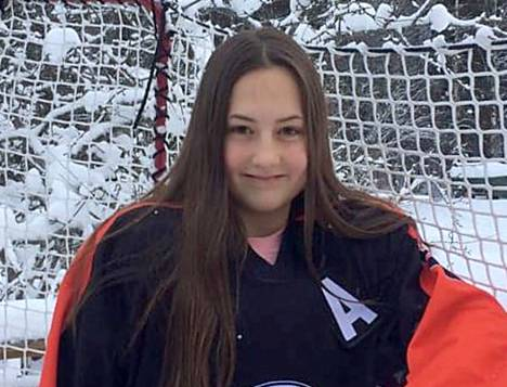 KPK:n tyttökiekkoilija Jessica Syversen osallistuu N16-leijonapentujen Pohjolaleirille Kuortaneella.