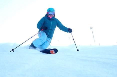 Heidi Collander on harrastanut laskettelua pienestä lähtien. Telemark tuo monipuolisuudellaan mukavaa vaihtelua rinnepäiviin.