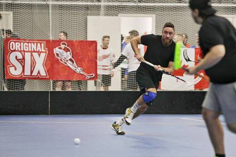 Toni Lötjösen turnaus päättyi tällä kertaa takareiden revähdykseen.