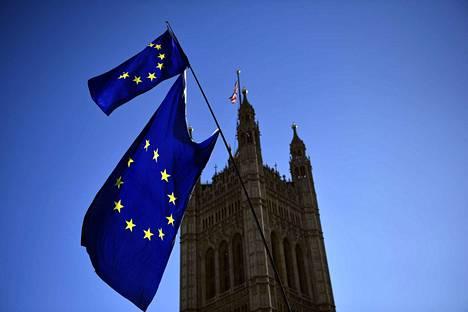 Brexitin käsittely jatkuu maanantaina Britannian parlamentissa.