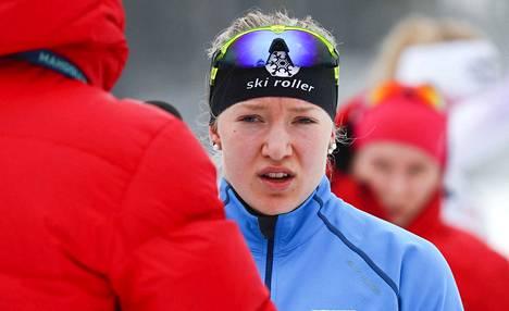 Anita Korva edustaa Kainuun Hiihtoseuraa.