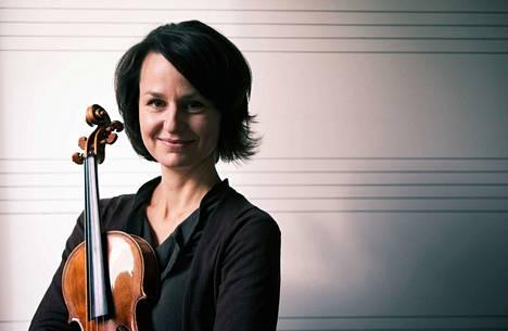 Réka Szilvay on kulkenut pitkän ja vaikean tien viulistiksi. Opiskeluvuodet Wienissä menivät pahasta onnettomuudesta toipuessa.