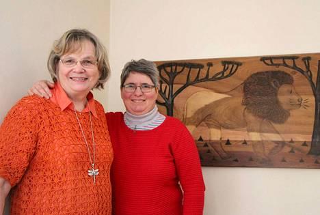 Mänttäläiset Arja Piirto ja Christine Marc lähtevät yhdessä kolmeksi viikoksi Ugandaan tutustumaan slummityöhön.