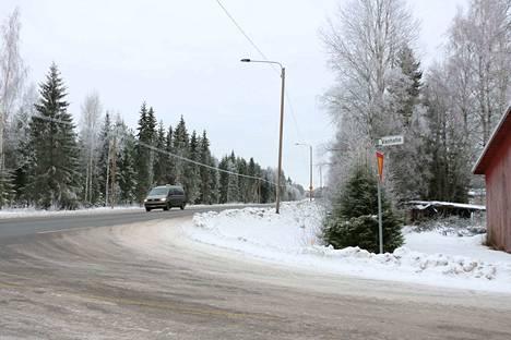 Katajamäen tienhaarasta Kankaanpään suuntaan, valtatien vastakkaiselle puolelle on rakentumassa uusi pomarkkulainen teollisuusalue.