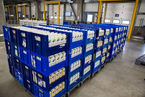 Valio on noin 5000 maitotilayrittäjän osuuskuntien kautta omistama yritys, joka maksaa kaiken tuottonsa takaisin maitotilayrittäjille maidon tilityshinnassa. Kuva Riihimäen tehtaalta.