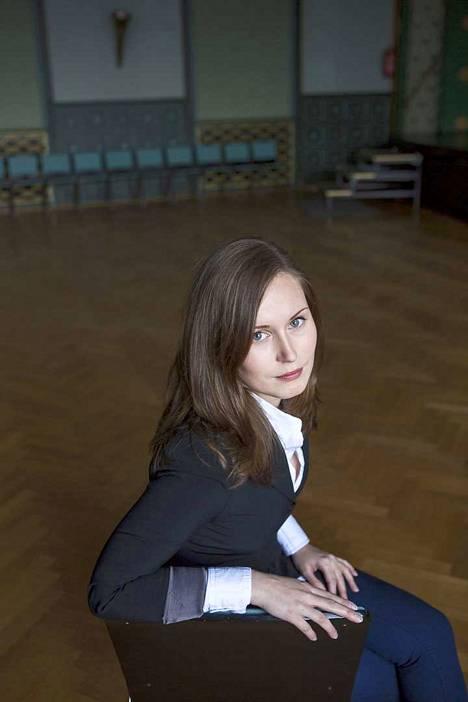 27-vuotiaasta Sanna Marinista (sd) tuli Tampereen kaupunginvaltuuston puheenjohtaja vuonna 2013.