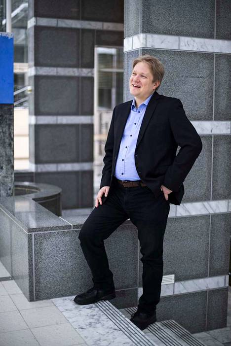 Tampereen yliopiston bioetiikan tutkija Heikki Saxén on sitä mieltä, että Kiinassa tehdyssä kokeessa ylitettiin monta rajaa.