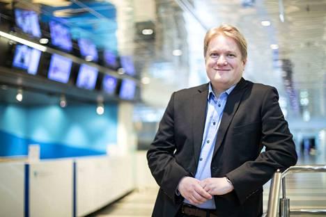 Heikki Saxénin mielestä ihmisten pitäisi tietää enemmän siitä, mihin kaikkeen heistä kerättyä geenitietoa voidaan käyttää. Saxén puhuu Tampere-talolla Tieteen päivillä lauantaina.