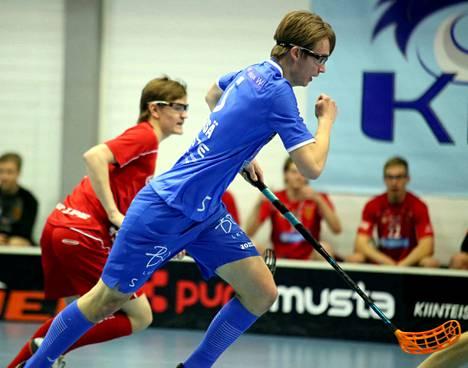 Eero Rötsä tasoitti maalillaan tilanteeksi 3–3 Classicia vastaan A-poikien SM-ottelussa. Rankkarikisan vei KrP ja otti lisäpisteen.