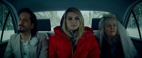 Aurora on talviselle Rovaniemelle sijoittuva rakkaustarina. Rosoisempaa arkitodellisuutta elokuvaan tuovat sellaiset aiheet kuin pakolaisuus ja päihdeongelmat.