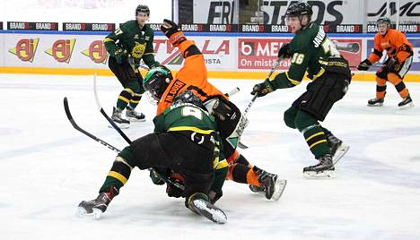 Kim Kauppilan (9), Santeri Javanaisen (36) ja Eero Nurmen (17) Ilves jäi ilman pisteitä Markus Odenin KooKoon vieraillessa Hakametsässä nuorten SM-liigan alemman jatkosarjan ottelussa.