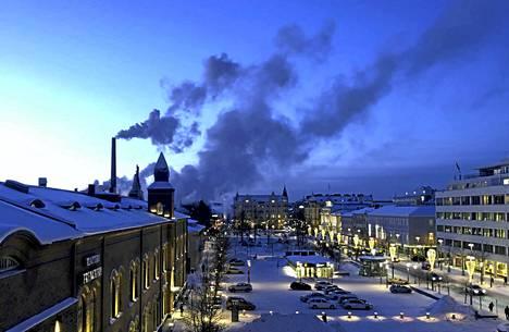 Takon savut piirtyivät selkeästi Tampereen taivaalla torstaiaamuna.
