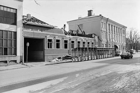 Tiedätkö, minkä nimisen hotellin ravintolasiipi purettiin vuonna 1985?