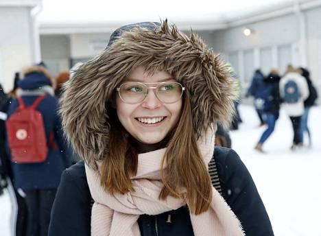 –Kiusaamista on erityisesti somessa, muun muassa Snapchatissa ja Instagramin kommenteissa. Vanhemmat eivät ole samoissa some-ryhmissä, joten kiusaaminen on mahdollista. Kaikki eivät myös uskalla kertoa kiusaamisesta aikuisille, kun pelkäävät, että se vain jatkuu ja pahenee. Tiedän, että koulussani on puututtu kiusaamistapauksiin, sanoo Saana Nurmi Euran yhteiskoulun 9. luokalta.