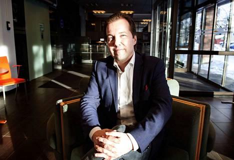 Akaan uusi kaupunginjohtaja on 41-vuotias hallintotieteiden maisteri, Järvenpään hallinto- ja talousjohtaja Antti Peltola.