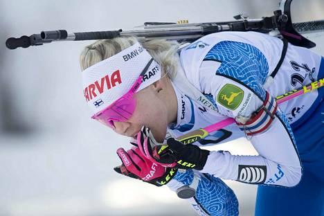 Kaisa Mäkäräinen ylsi kolmen joukkoon ensimmäisen kerran sitten 15. joulukuuta tulleen voiton.