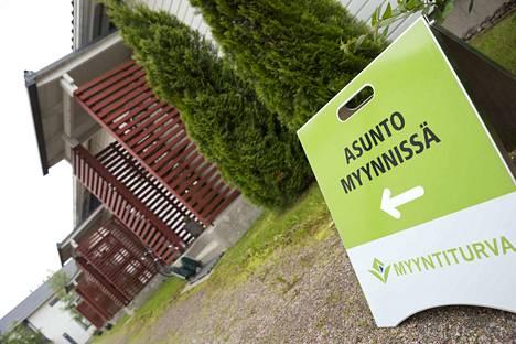 Asuntovelat ovat Tilastokeskuksen mukaan kasvaneet maltillisesti.