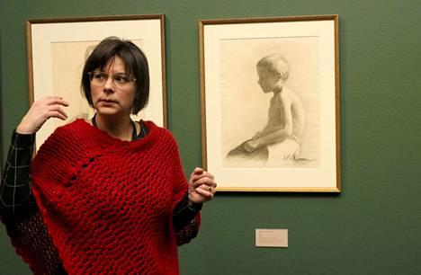 Visavuoren museonjohtaja Pälvi Myllylä (kuvassa) on kuratoinut Ehrströmien taidetta esittelevän näyttelyn yhdessä Serlachius-museoiden tutkija Helena Hännisen kanssa.