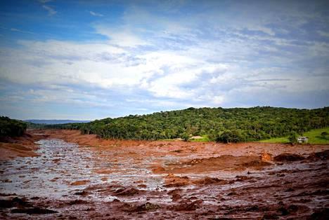 150 metriä leveä tuhoalue on kilometrejä pitkä.