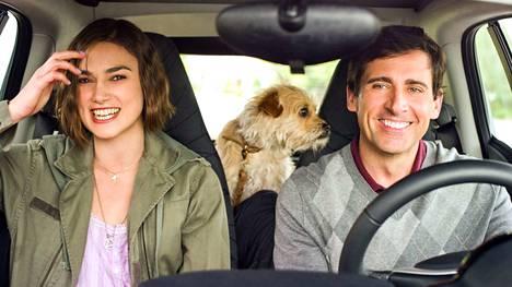 Dodge (Steve Carell( lähtee etsimään nuoruudenrakkauttaan, ja naapurin Penny (Keira Knightley) änkeää mukaan.Sutinaa maailmanlopun edellä -elokuvassa.
